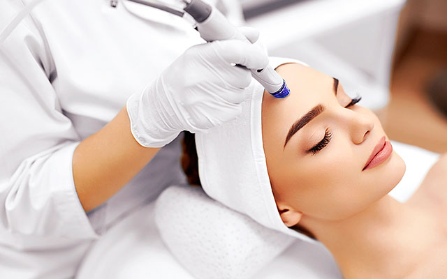 Best meta therapy microneedling and collagen induction therapy performed in Woodland Hills and Los Angeles by DermaCare Facial Clinic